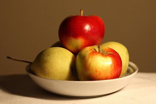 식후에 자주 먹는 과일
