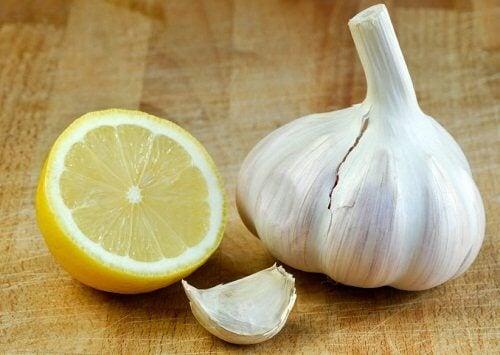 마늘과 레몬을 이용한 치료법