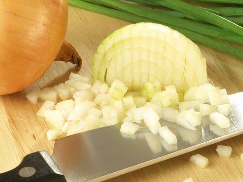 양파, 레몬, 소금을 이용한 치료법