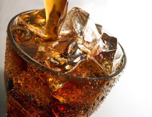 지나친 탄산음료 섭취