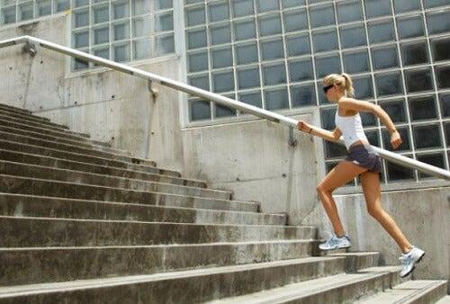 엉덩이 근육을 강화하는 6가지 운동