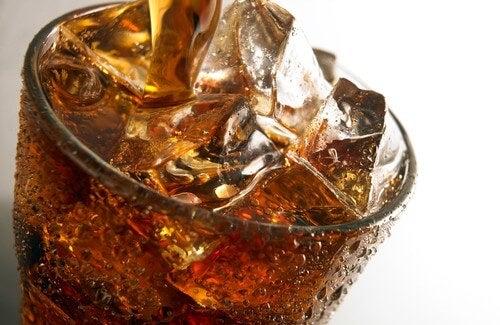탄산음료가 건강에 미치는 영향