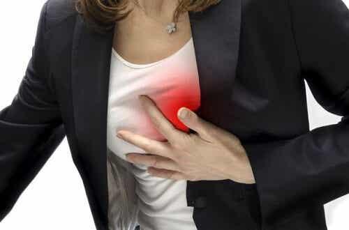 여성에게 나타나는 심근경색 초기 증상