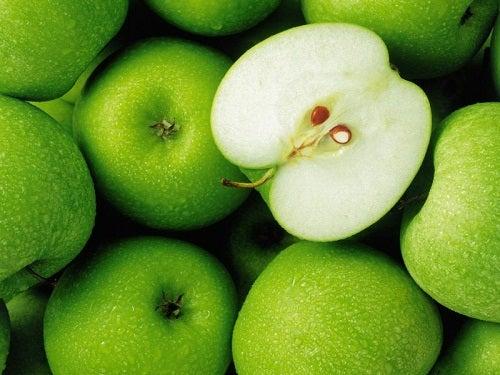 뱃살을 빼는데 좋은 음식 사과