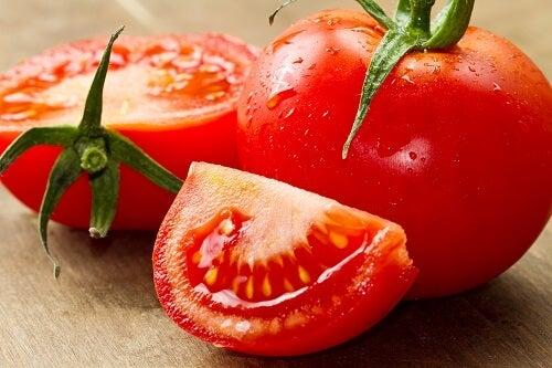 지방을 태우는 10가지 음식들 토마토