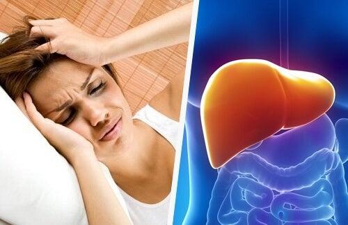 두통과 간의 상관 관계