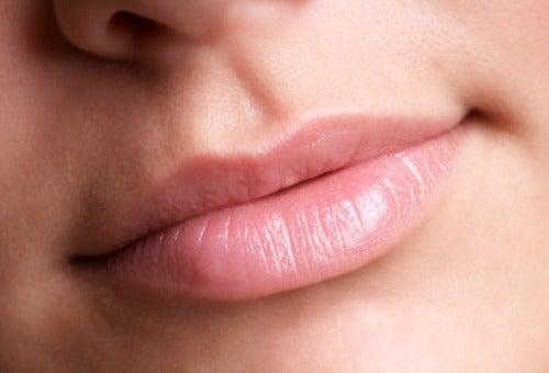 4-healthy-lips