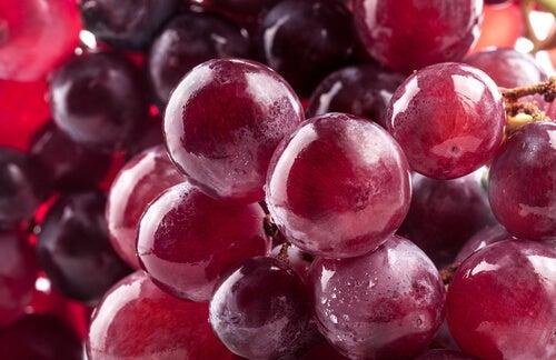 8-grapes
