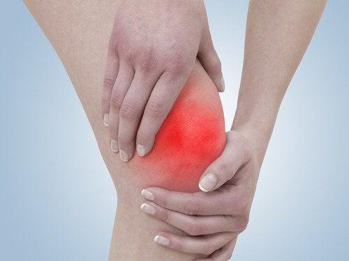 무릎 통증에 도움이 되는 운동과 해로운 운동