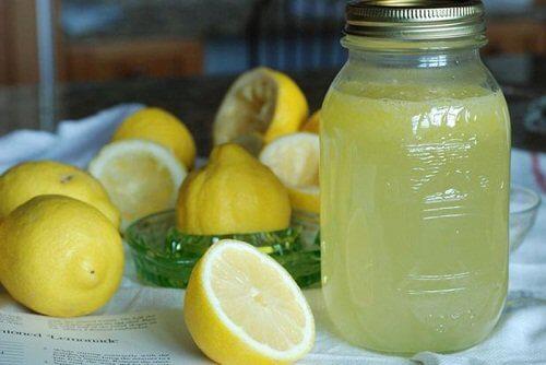 레몬 껍질로 관절통 치료하는 법
