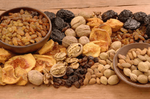 2-nuts-and-dried-fruits