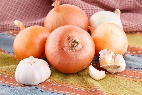 6-garlic-and-onion