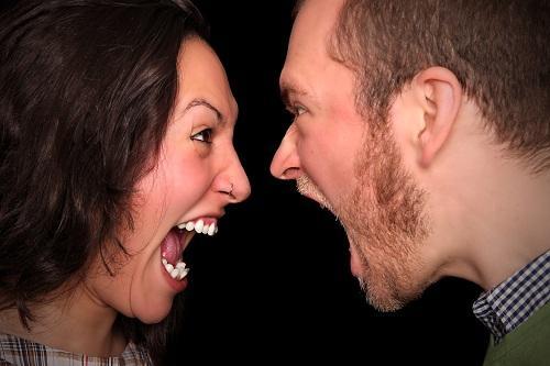 연인 관계에서 상대방을 듣고 싸우는 법