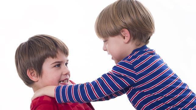 children-fighting
