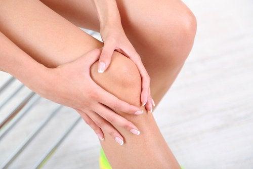 1-knee-bones