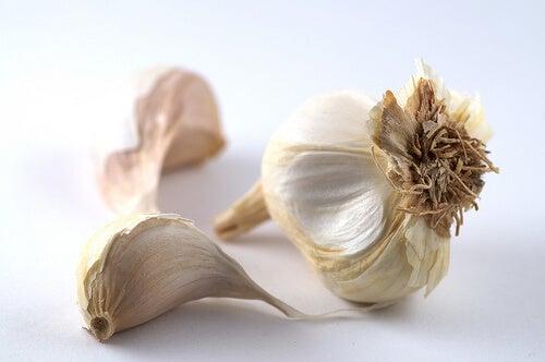 동맥을 청소하고 콜레스테롤을 줄여주는 마늘레몬 요법