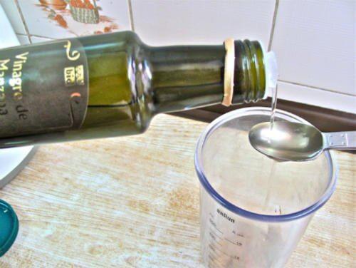 Water-vinegar-500x376