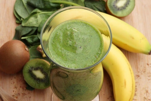 banana-and-spinach-smoothie