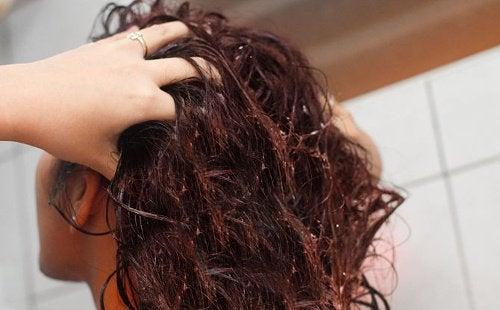 머리카락을 튼튼하게 해주는 아마씨 물
