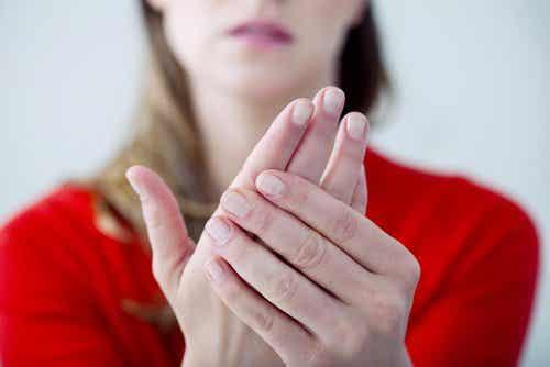 수족냉증: 일 년 내내 손발이 차가운 이유