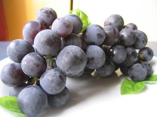 1-grapes-1
