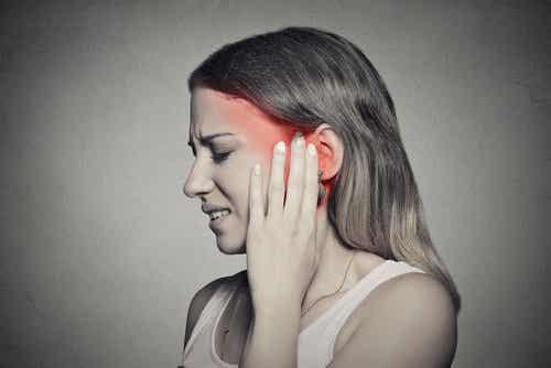 귀가 울리는 원인과 자연 치료법