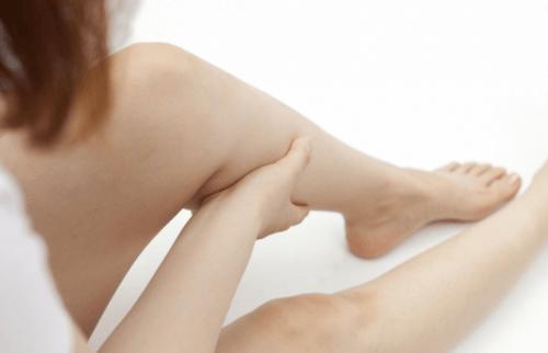 근육 경련을 멈추게 하는 법