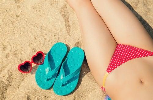 허벅지 안쪽 피부를 투명하게 만드는 7가지 천연 요법