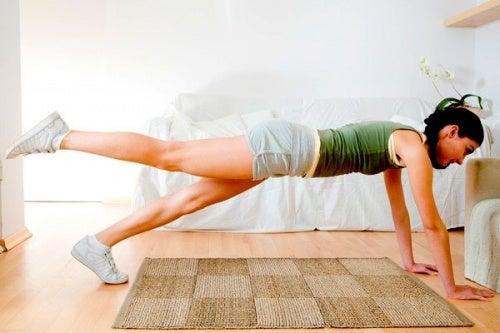 탄탄한 엉덩이를 위한 인기 운동 3가지