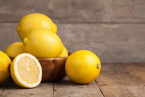 레몬 씨를 살충제