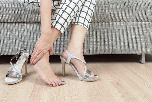 뒤꿈치 통증 증후군의 하이힐