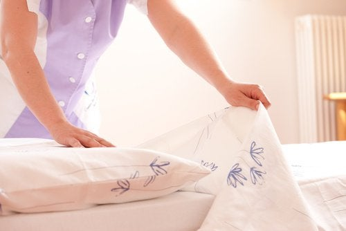 매일 아침 침대 정리하기