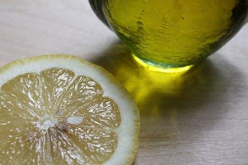 간 염증을 레몬