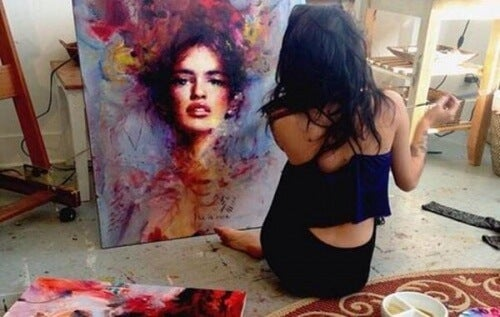 woman-painting