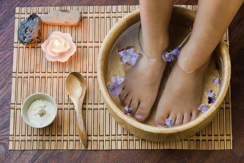 내성발톱 치료에 도움되는 6가지 자가 요법