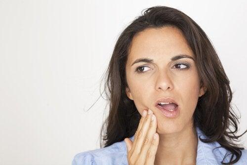턱 통증의 가능한 원인