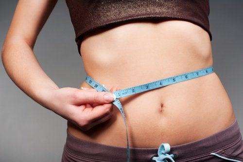 한 달 안에 허리 둘레를 줄이는 5가지 단계