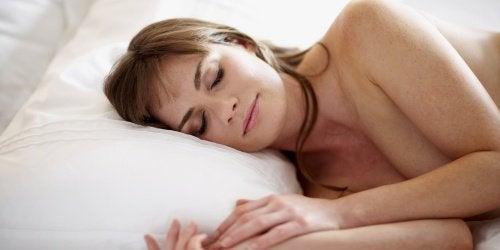 2-sleeping-naked