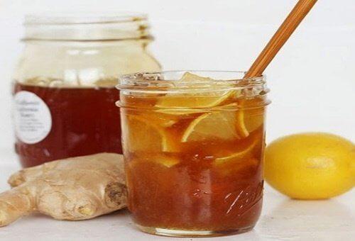 세 가지 재료로 항생 효과가 있는 음료 만들기