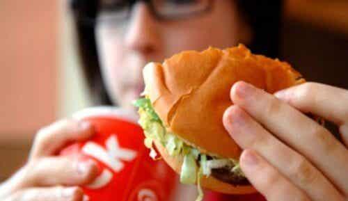 불쾌한 체취를 유발하는 9가지 식품