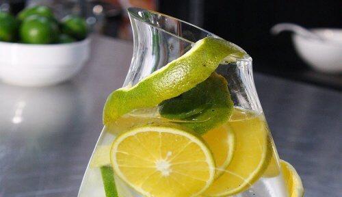 100% 천연 음료로 신장 건강 개선하기