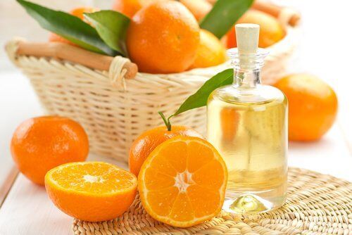 2-orange-essential-oil
