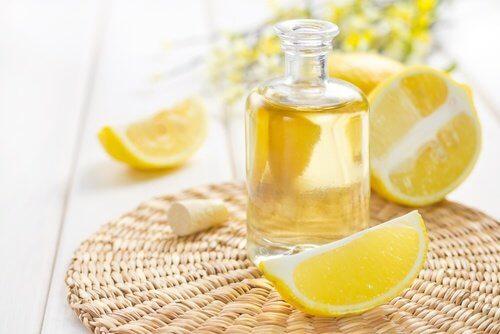 5-lemon-essential-oil