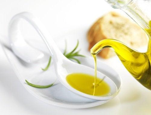 aceite-de-oliva-extra-virgen-500x381