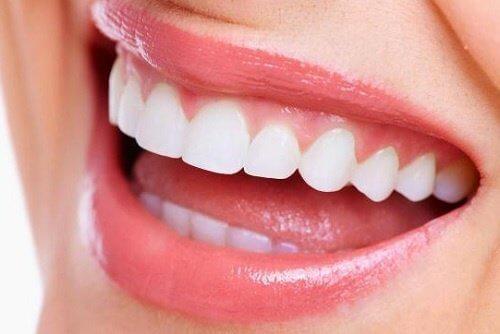 티베트 승려들이 하얀 치아를 갖고 있는 이유