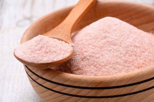 식탁용 소금과 히말라야 핑크소금의 차이