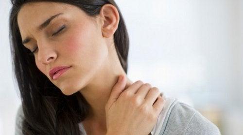 목 통증에 관해 알아두어야 할 것 5가지