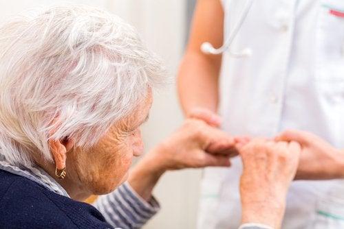 알츠하이머병을 예방하는 데 도움이 되는 운동