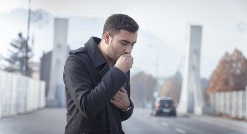 기침을 위한 6가지 민간 요법