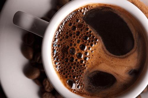 첫 커피를 마시기에 가장 좋은 시간대